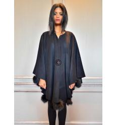 Black Cape POMPONETTE Fox