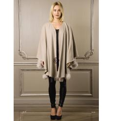 Cream Cape POMPONETTE Fox